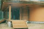 Økologisk landsbygda laftehytte laget av Baltaz.