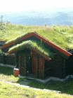 Fasade av Bitihorn Laftehytte (1)