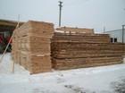 Høy kvalitet planker brukes til produksjon av laftehytte