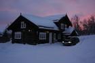 Kveld synsvidde ved Niels Laftehytte i vinter